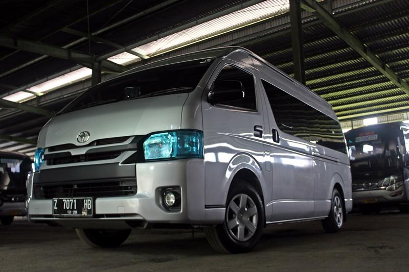 Exterior Toyota Hiace Bandung
