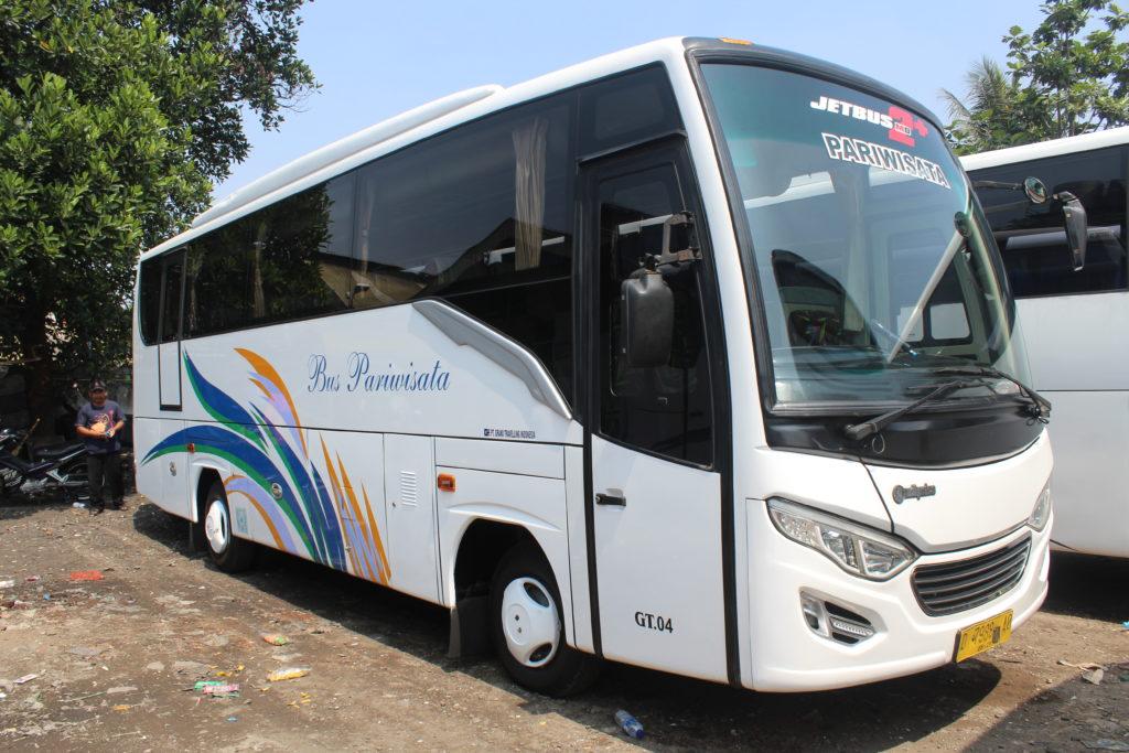 Harga Sewa Bus Pariwisata Bandung