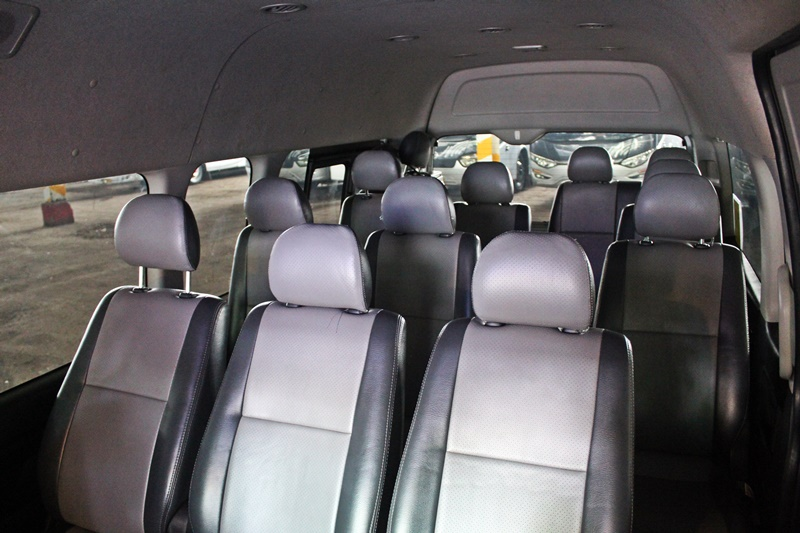 Interior Toyota Hiace Bandung