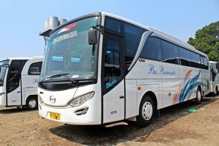 Exterior Bus 47 Seat Bandung