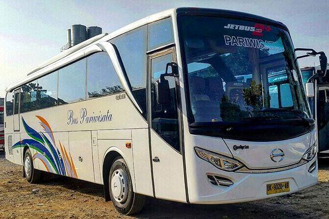 Exterior Sewa Bus 50 Seat Bandung
