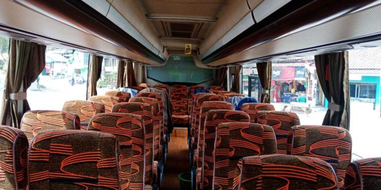 Interior Sewa Bus Pariwisata Bandung Garut