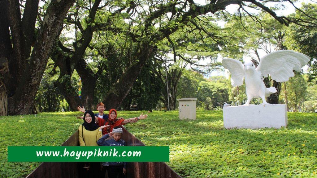 Paket Wisata Dago Bandung