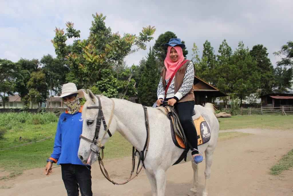 Paket Wisata Tour Bandung 2 Hari 1 Malam
