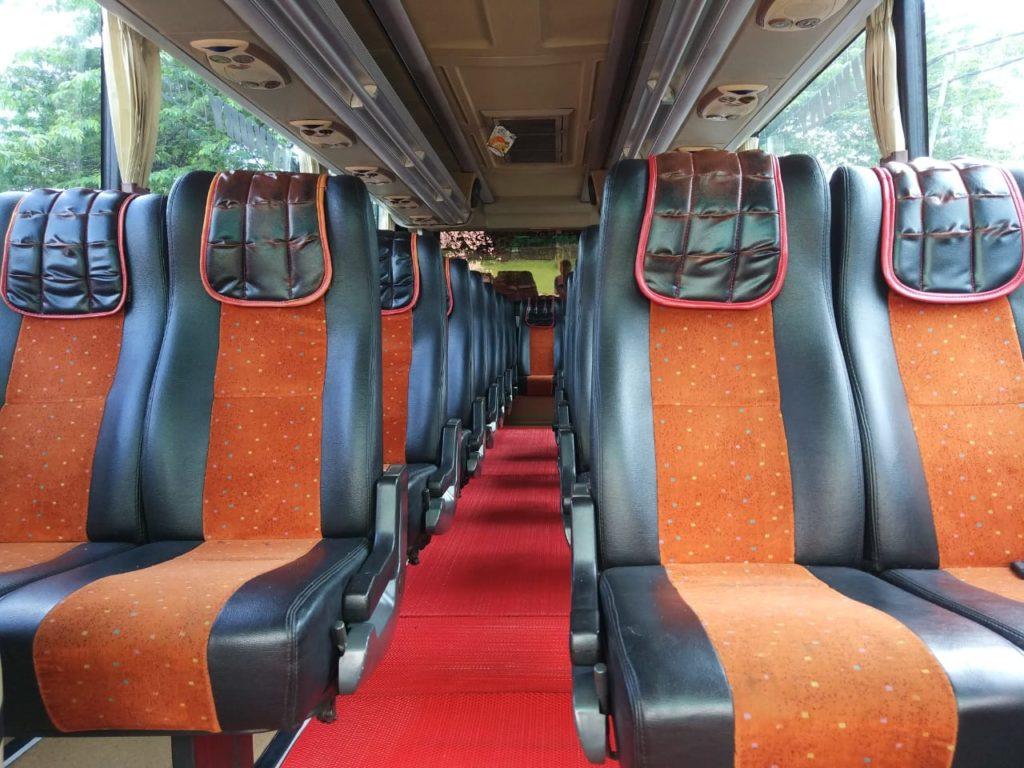 Exterior Bus 31 Seat Bandung