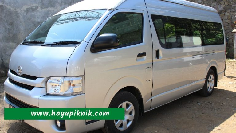 Toyota Hiace Bandung